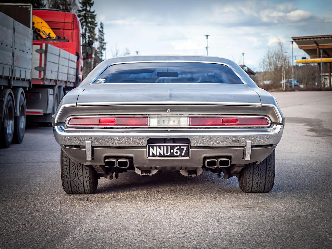 Korinvaihto 1972 Dodge Challenger Coupe takaa
