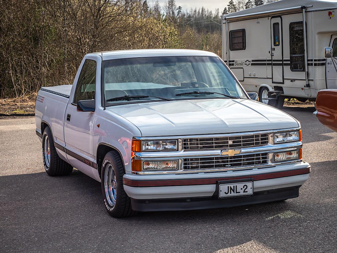 Valkoinen 1989 Chevrolet Fleetside Silverado 383cid V8