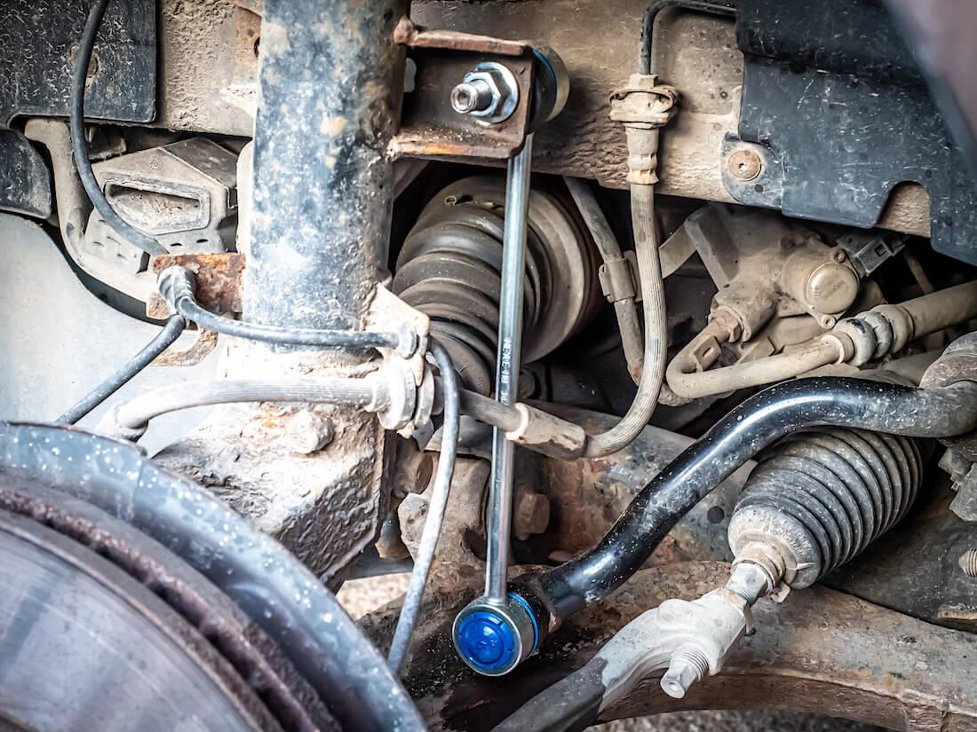 Meylen HD koiranluu VW T5 Transporterissa asennettuna