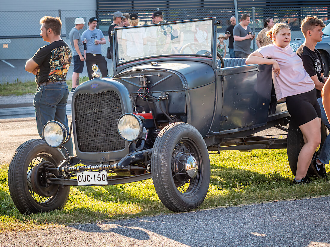 1928 Ford Model A pickup roadster