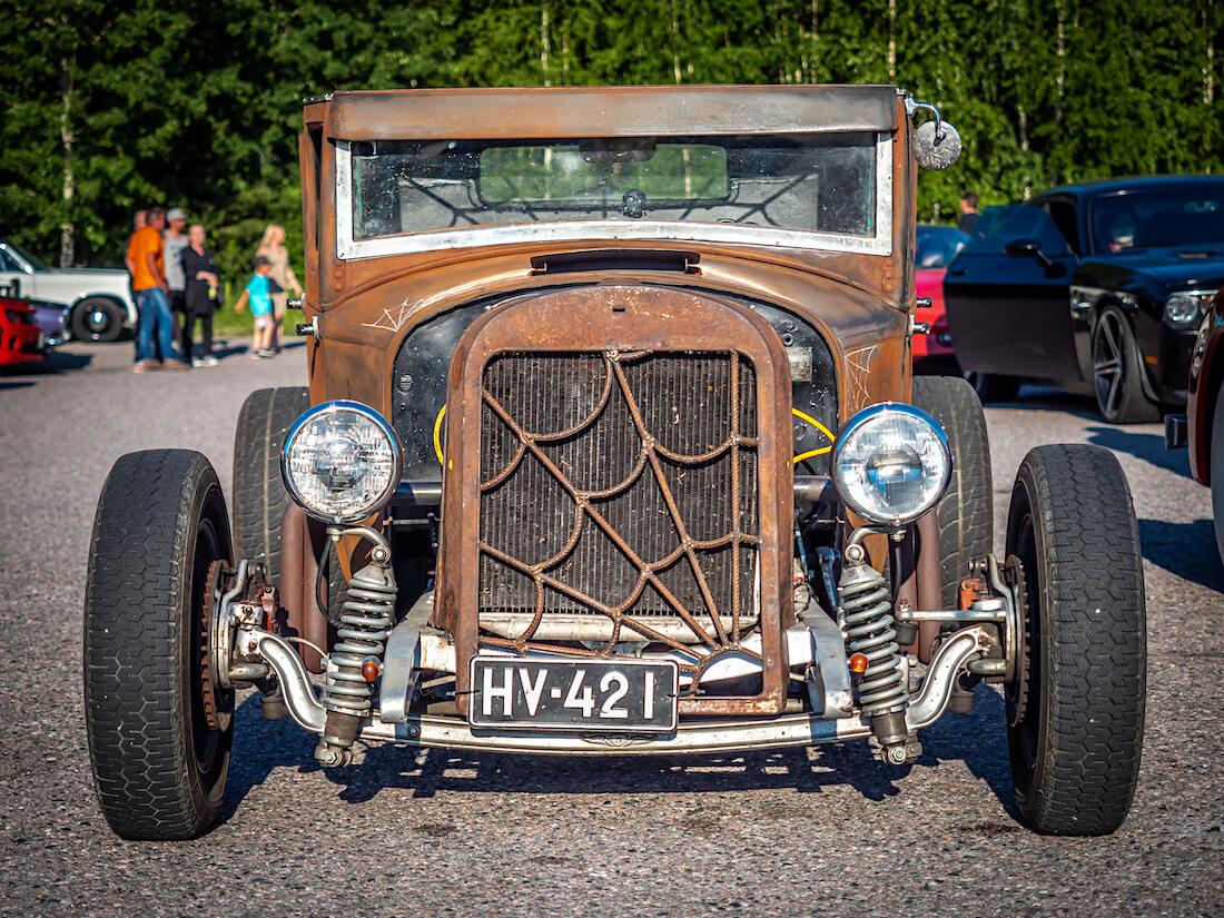 1929 Essex 4d Standard rat rod edestä
