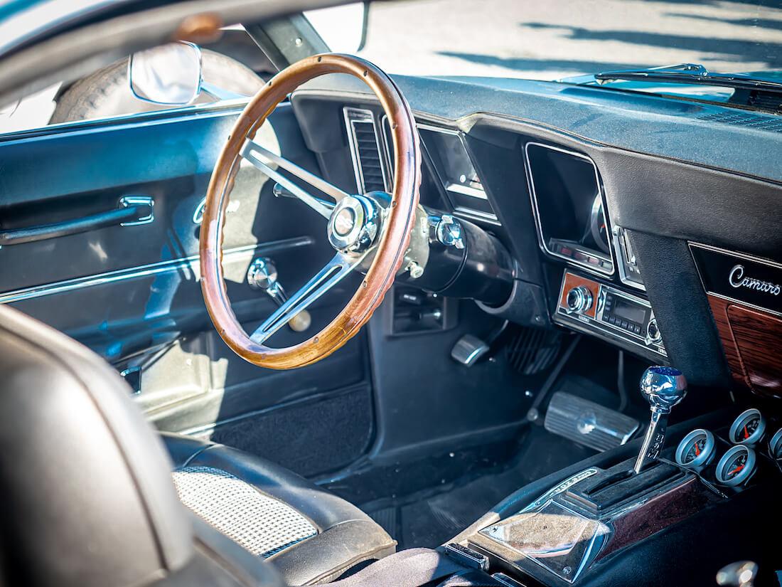 Luokitellakseen Camaron Trans Am -sarjaan Chevrolet lisäsi varustelistalle option RPO JL8, jolla Camaroon sai levyjarrut myös taka-akselille. Kallis, hieman yli 500 dollarin hintalappu karkoitti ostajat, joten vain 206 vuosimallin 1969 Camaro lähti tehtaalta levyjarruilla jokaisessa kulmassa.