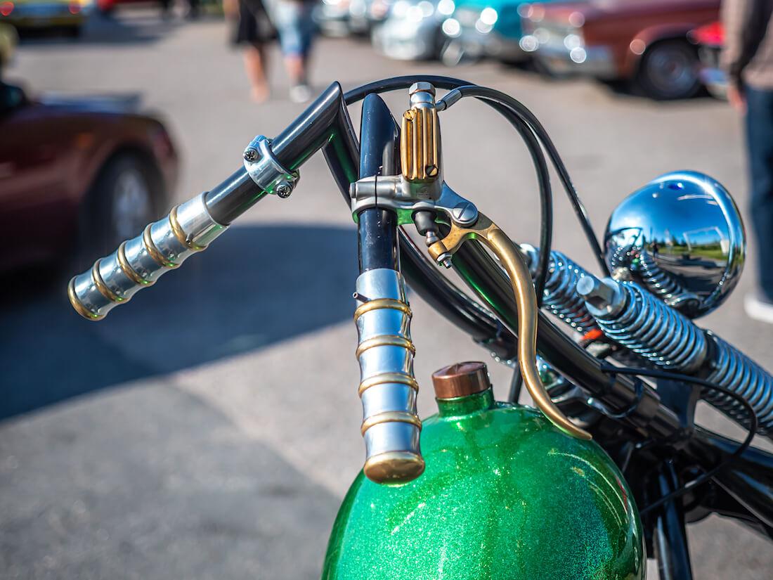 Harley-Davidson choppetin ohjaustanko