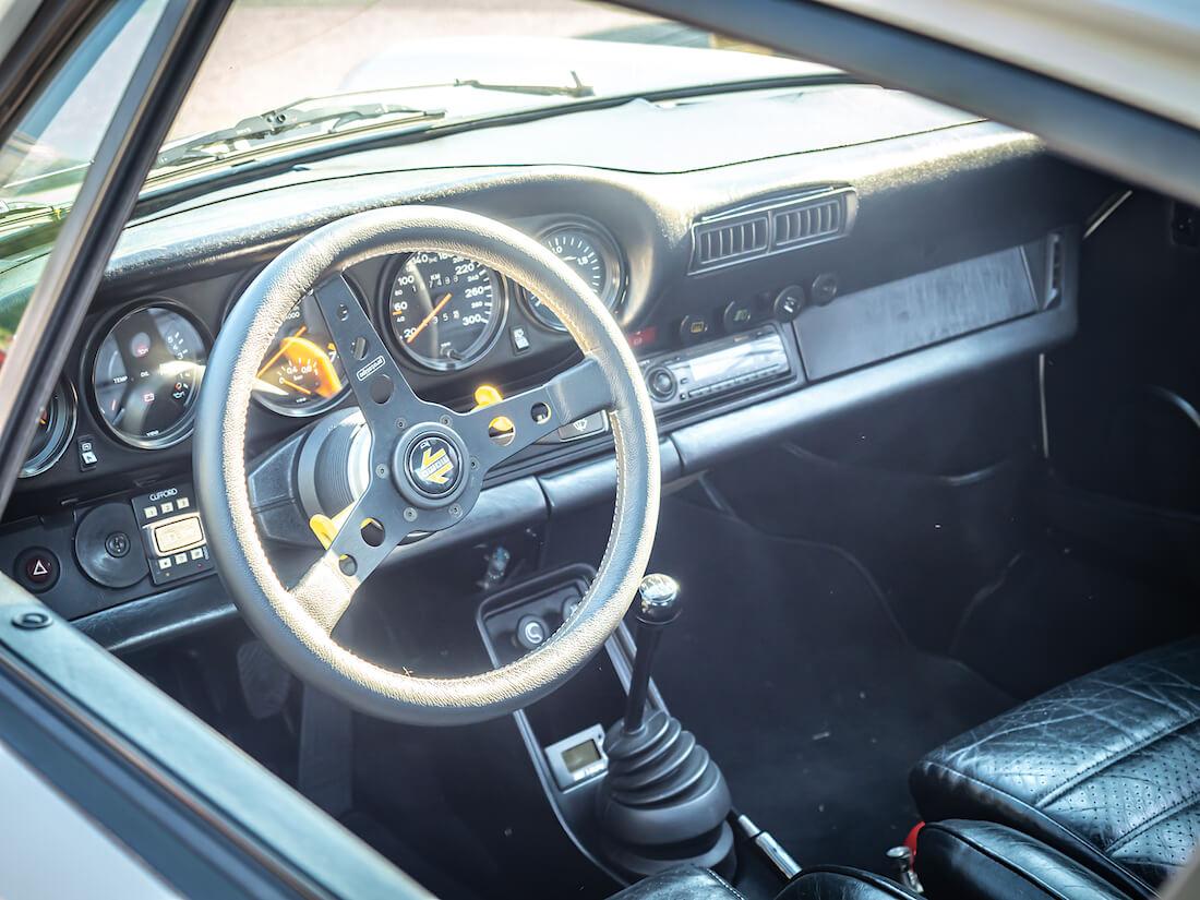 1982 Porsche 930 kojelauta