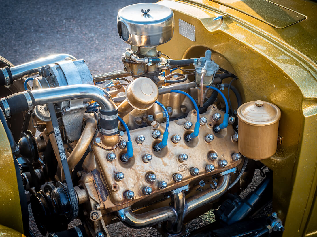 1933 Chevrolet 2d Coupe rodin V8-moottori