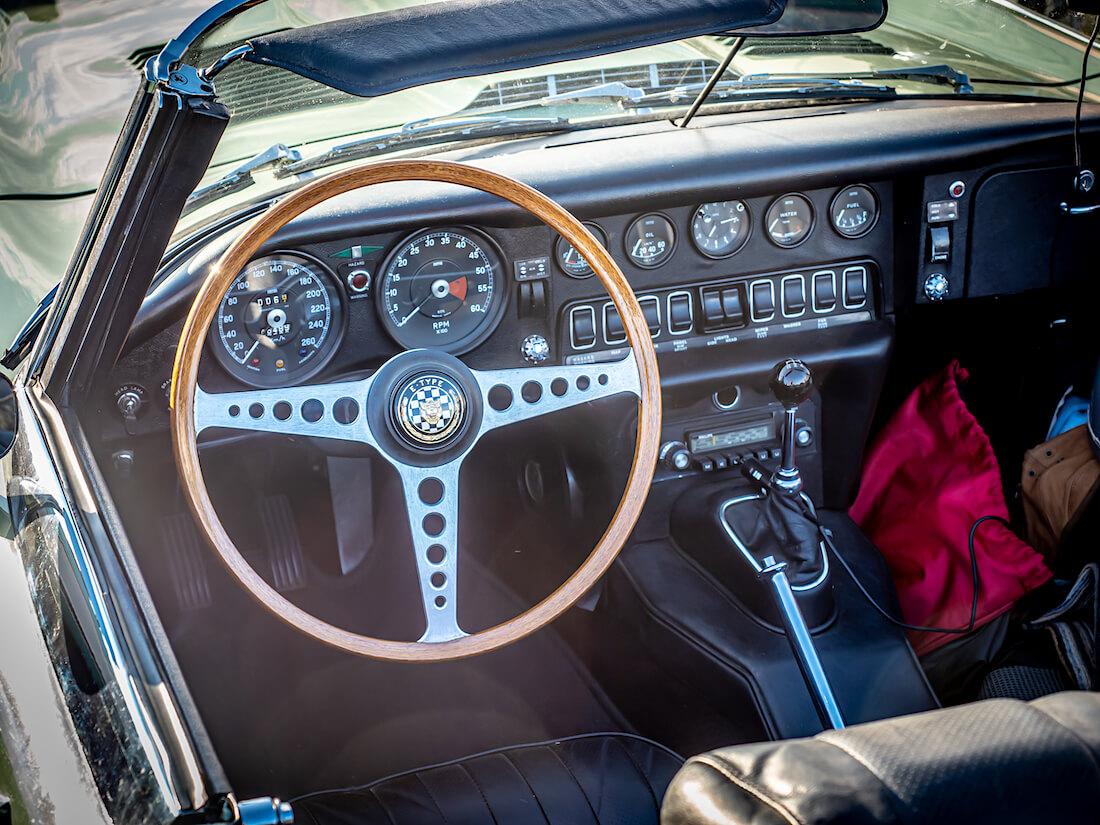 1970 Jaguar E-Type urheiluauton kojelauta