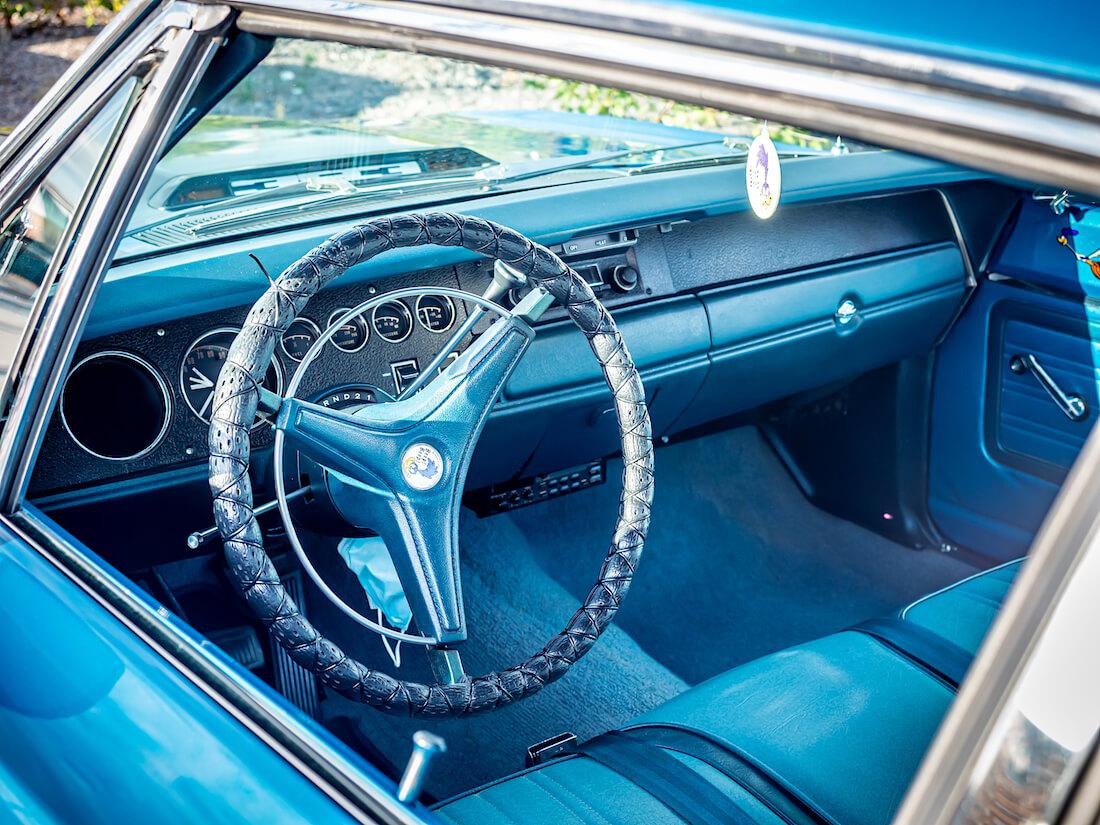 1970 Plymouth Road Runnerin sininen sisusta